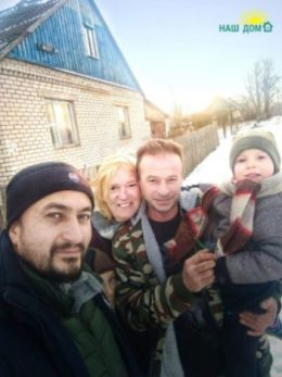 Valentina Buslaeva (second on the left) with family and Ruslan Guseinov (on the left)